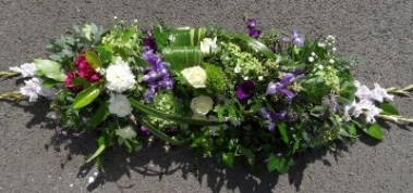 Garden style coffin spray
